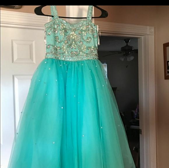 Tiffany Designs Other - Tiffany dress